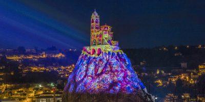 Puy de Lumières sur le rocher Saint-Michel d'Aiguilhe