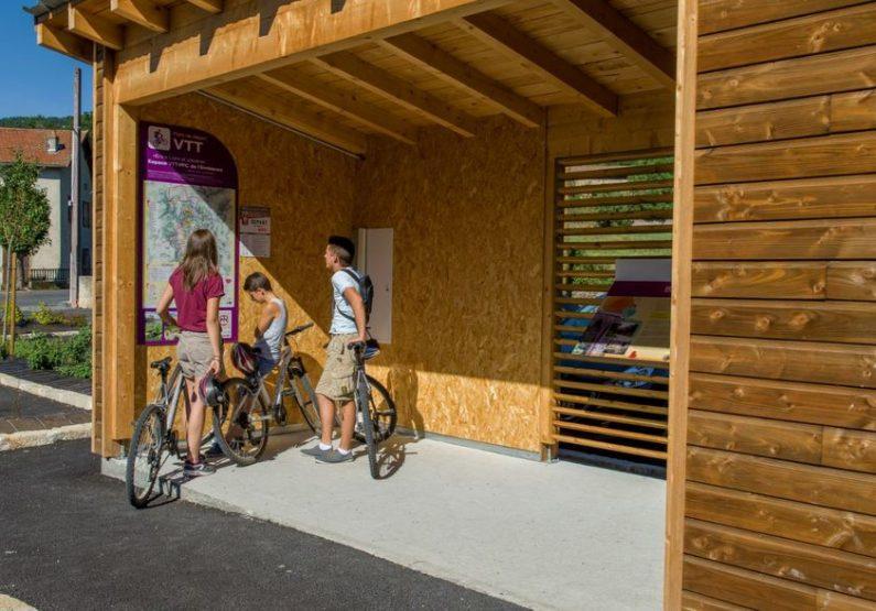 EQU_Via-Fluvia-Lavoute-Rosieres_Haute-Loire-Lavoute-sur-Loire_Credit-Luc-Olivier
