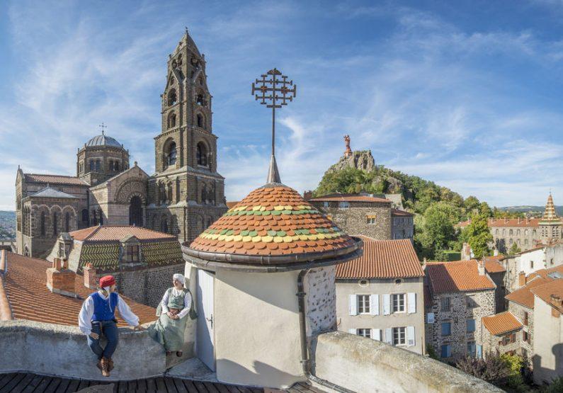 SEJ_City Walk… Week-End au Puy-en-Velay_vue du Puy avec la cathédrale et la Vierge