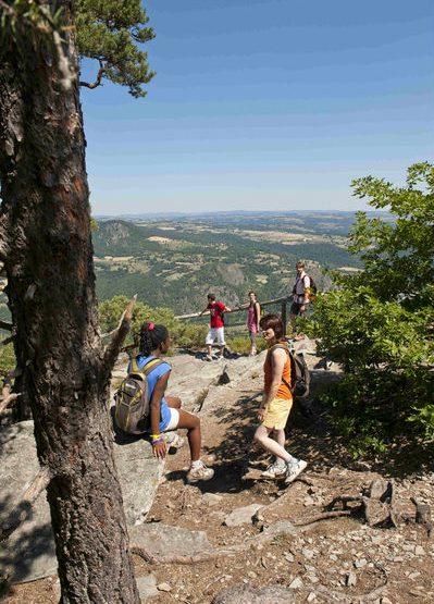ACT_Rando-les-plus-belles-vues-du-Puy_Guide-nature-randonnee