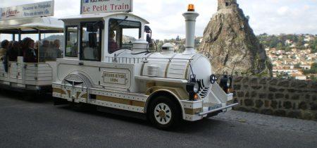 Groupe : circuit en petit train touristique et visite de la cathédrale