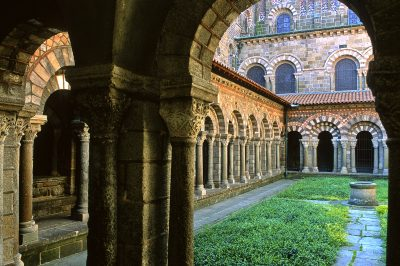 Le Cloître de la Cathédrale au Puy-en-Velay