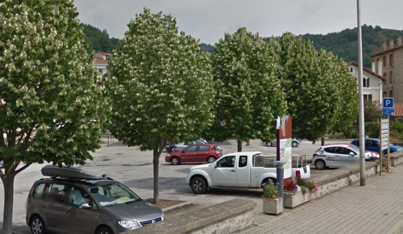 EQU_Parking_vorey-sur-Arzon