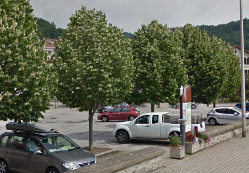 EQU_Parking_vorey-sur-Arzon