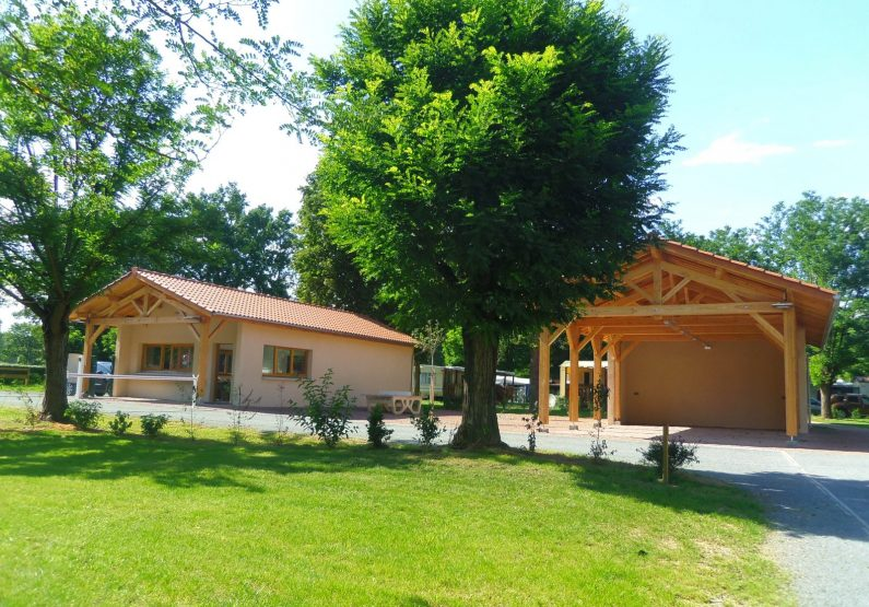 Camping Pommiers