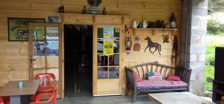 Country Saloon