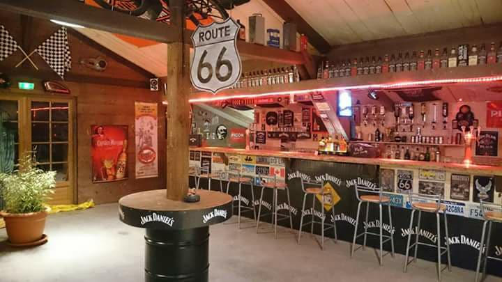 RES_ Country saloon_intérieur