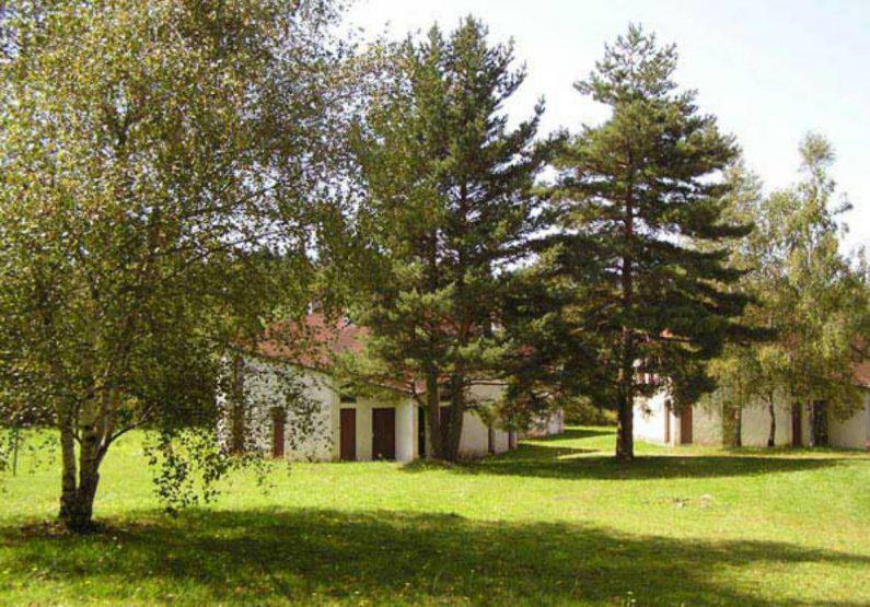HEB_Logement C4 – Les Gîtes de Bois de Chelles_village arboré
