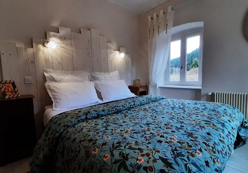 HEB_chambredhoteMaisonsouslesetoiles_chambre grande ourse_ intérieur