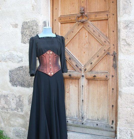 COS_La Boutique Artisane_La Clé rouillée_costume médiéval
