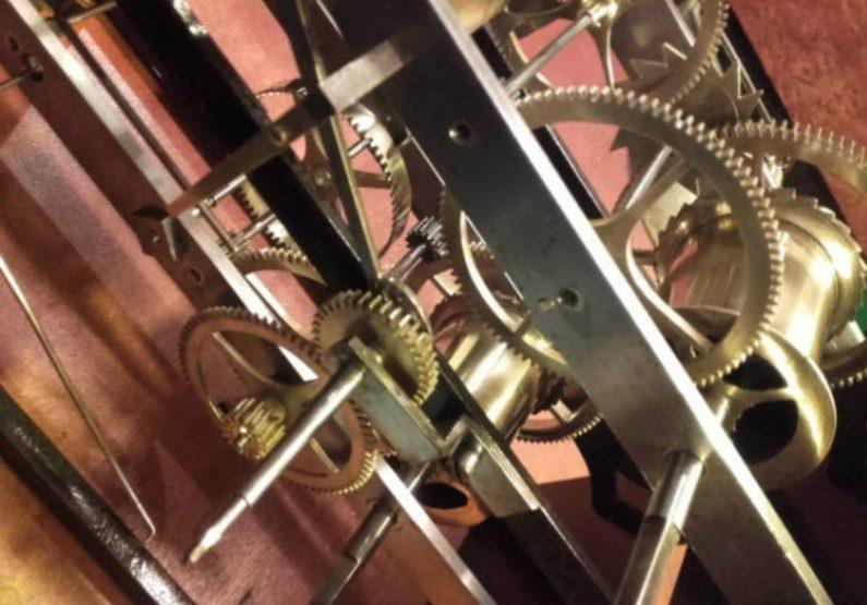 COS_Horlogerie «Au Tic-Tac Auvergnat»_mécanisme horloge