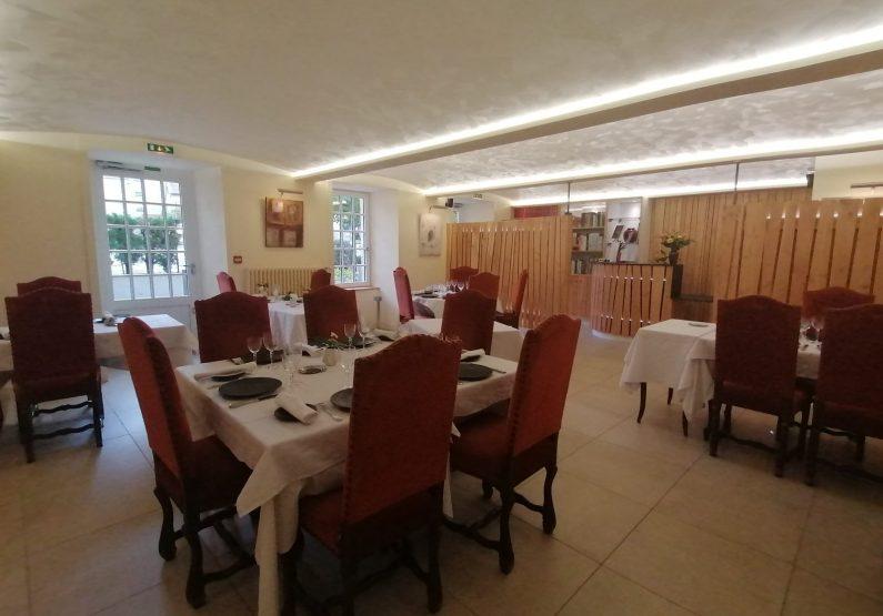RES-Restaurant «L'Echo et L'Abbaye»_ salle de restaurant