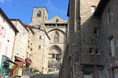 Visite libre individuelle du bourg médiéval ou guidée pour les groupes
